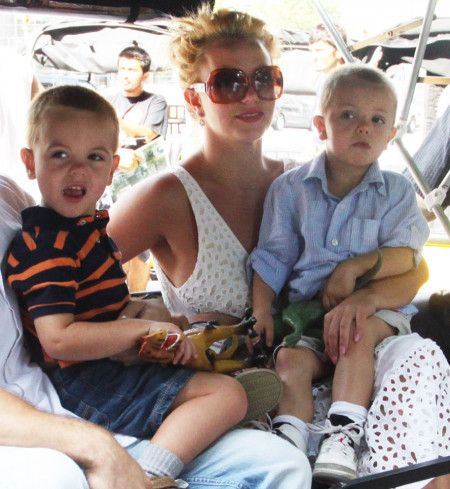 Britney Spears pushes her sons in stroller in Central Park NYC