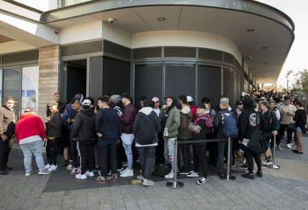 Kanye West Pop up store カニエ・ウェスト ポップアップストア 行列 シドニー Sydney, オーストラリア Australia