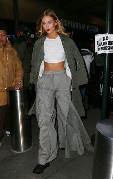 カーリー・クロス Karlie Kloss  モデル Yeezy Boost スニーカー NY