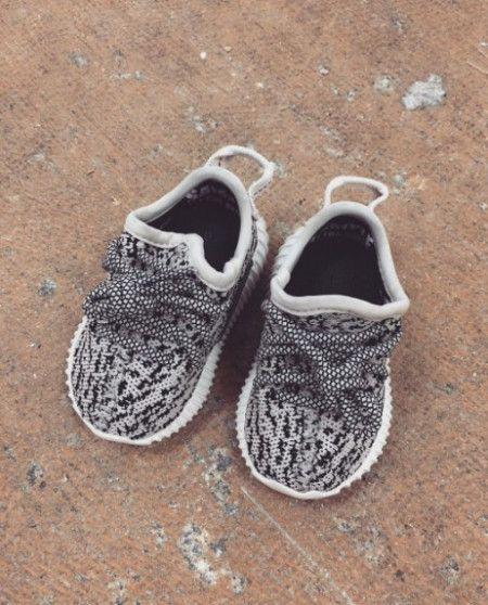 Yeezy Boost イージー・ブースト カニエ・ウェスト Kanye West アディダス Adidas キッズタートルダヴ パイレーツブラック