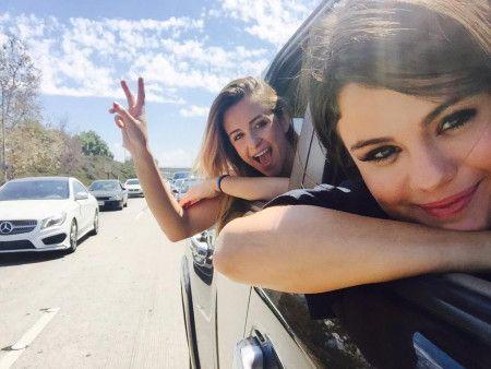 セレーナ・ゴメス Selena Gomez  親友 コートニー・バリー