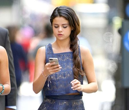 EXCLUSIVE: Selena Gomez shopping in New York City