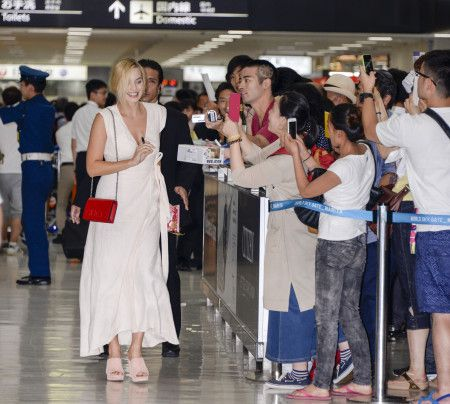 マーゴット・ロビー Margot Robbie  来日 空港