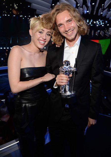マイリー・サイラス Miley Cyrus  MTV VMA