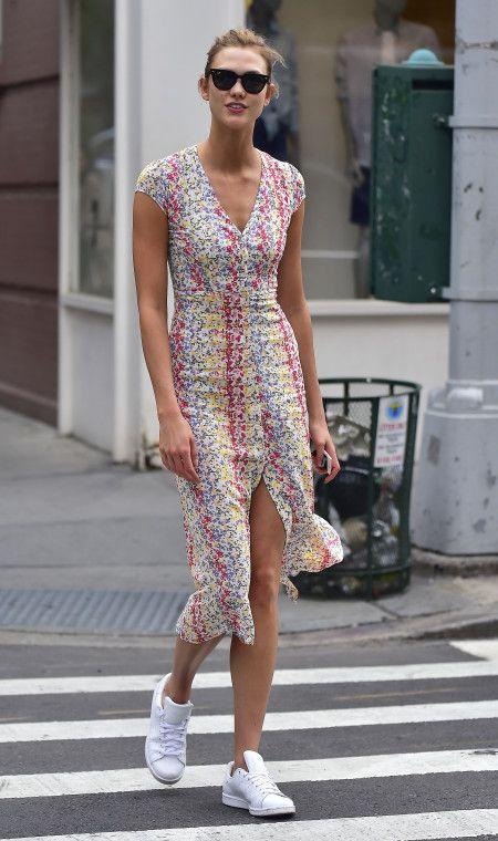 カーリー・クロス Karlie Kloss ファッション ワンピース スニーカー