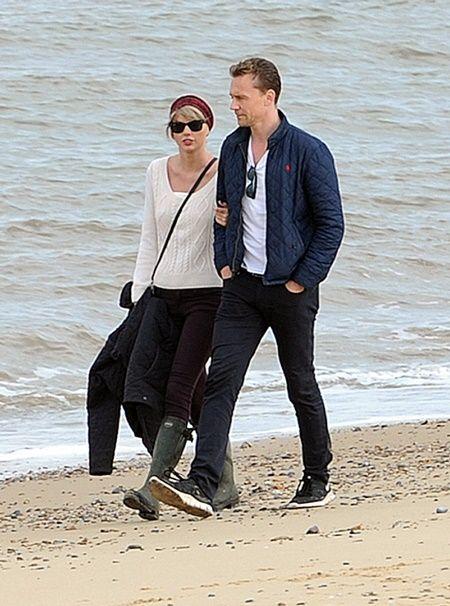 Taylor Swift and new boyfriend Tom Hiddleston enjoy an afternoon stroll in Suffolk. Pictured: Taylor Swift and Tom Hiddleston Ref: SPL1309749  260616   Picture by: Gotcha Images / Splash News Splash News and Pictures Los Angeles:   310-821-2666 New York:  212-619-2666 London:    870-934-2666 photodesk@splashnews.com
