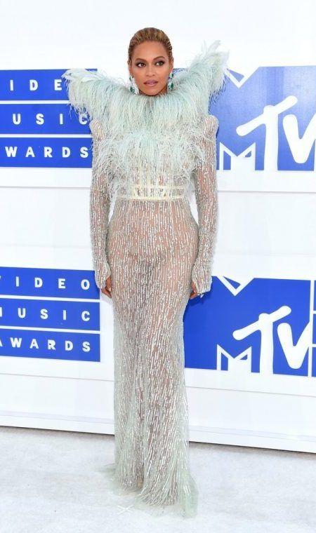 ビヨンセ Beyonce MTV VMA レッドカーペット ドレス