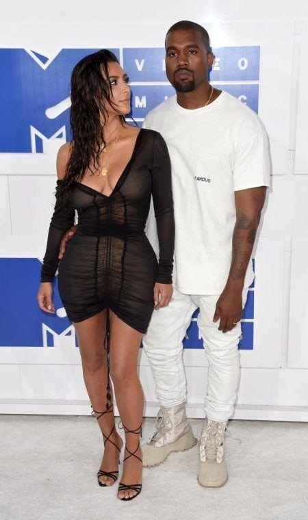 キム・カーダシアン Kim Kardashian カニエ・ウェスト Kanya West MTV VMA レッドカーペット ドレス
