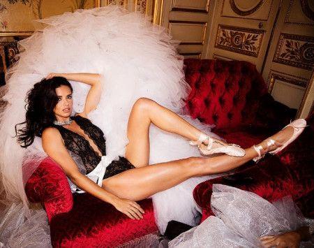 ヴィクトリアズ・シークレット ヴィクシー モデル エンジェルズ エンジェル キャンペーン ホリデー クリスマス 広告 撮影 舞台裏 裏側 写真 アドリアナ・リマ Adriana Lima