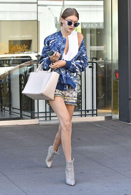 ジジ・ハディッド Gigi Hadid ブルゾン ボンバージャケット セレブ 秋スタイル モデル ファッション