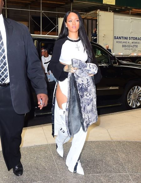 リアーナ Rihanna  Fenty x Puma  コレクション 発売 NY ポップアップショップ