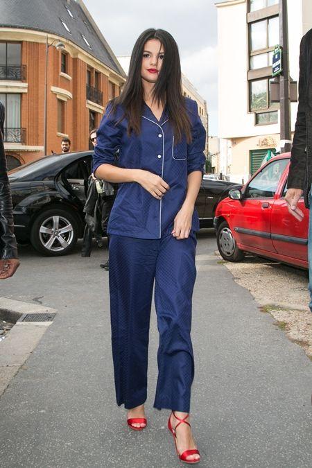 セレーナ・ゴメス Selena Gomez パジャマ パジャマ風 ファッション Derek Rose