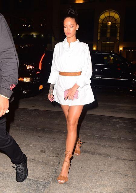 リアーナ Rihanna 8月29日 ドレイク デート NY 日本食レストラン Nobu シャツワンピ シンガー セレブ ファッション