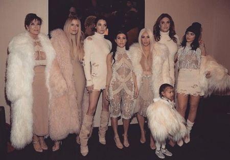 カーダシアン家 セレブ一家 Kardashian Family Pablo カニエ・ウェスト Kanye West グッズ I Feel Like Pablo  Pabloグッズ セイントツアー