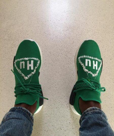 アディダス・オリジナル×ファレル」・ウィリアムス Adidas Originals = PHARRELL WILLIAMS コラボ 発売 セレブ ファッション スニーカー カスタマイズ