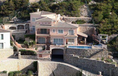 アンジェリーナ・ジョリー Angelina Jolie ブラッド・ピット Brad Pitt 豪邸 スペイン マヨルカ島