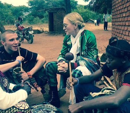 7月にアフリカにて。