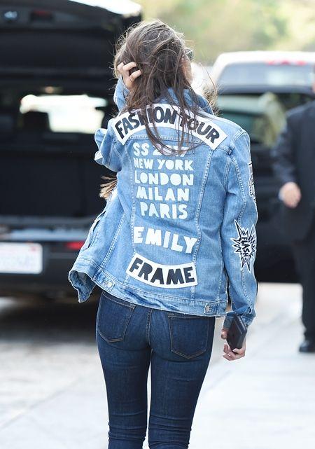 エミリー・ラタコウスキー  Emily Ratajkowski モデル フレーム Frame デニムブランド デニムジャケット ワッペン 被りアイテム 人気 海外セレブ ファッション