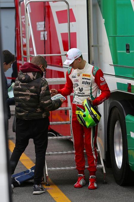 ミック・シューマッハ Mick Schumacher  ミハエル・シューマッハ  Michael Schumacher イタリア 17歳 F4