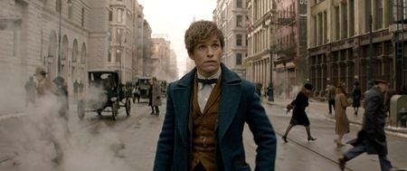 FANTASTIC BEASTS AND WHERE TO FIND THEM (2016) - EDDIE REDMAYNE.