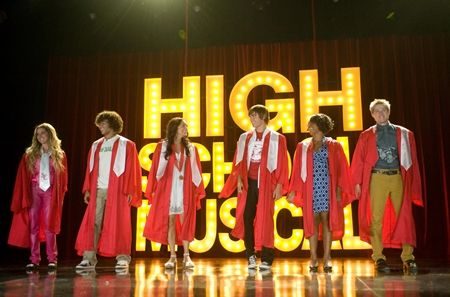 HIGH SCHOOL MUSICAL 3: SENIOR YEAR (2008) - VANESSA HUDGENS - ZAC EFRON - ASHLEY TISDALE - CORBIN BLEU - LUCAS GRABEEL - MONIQUE COLEMAN.