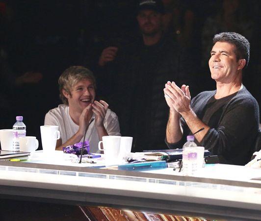 ナイル・ホーラン(左)とサイモン・コーウェル(右)、2014年に『Xファクター』の現場にて。