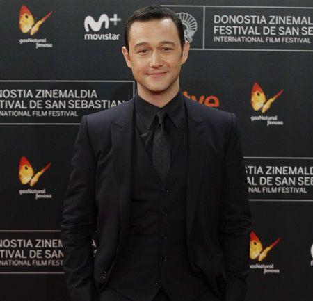 映画『(500)日のサマー』の俳優は、2014年に、一般人女性とゴールイン。