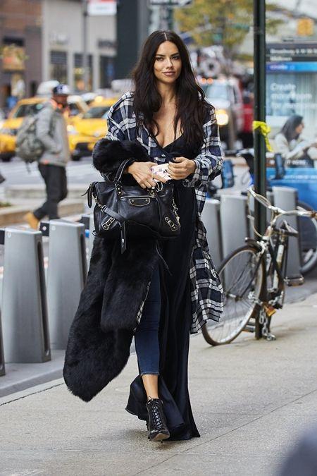 アドリアナ・リマ Adriana Lima フィッティング NY 衣装の試着 ヴィクトリアズ・シークレット Victoria's Secret ヴィクシー エンジェル
