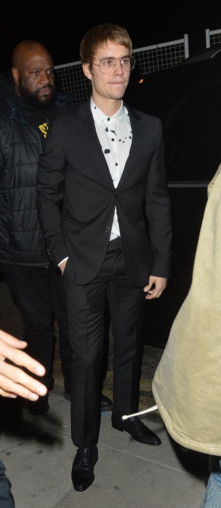 ジャスティン・ビーバー Justin Bieber  ギークめがね おたく風めがね トレンド 海外セレブ ファッション 細フレーム×ティアドロップ型 今年風