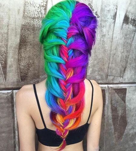 ネオンヘアカラー Neon Hair Color 暗闇で光る ブラックライト 目立つ 最先端 ヘアカラー 海外 トレンド 人気 可愛い ヘア ヘアアレンジ ヘアスタイル