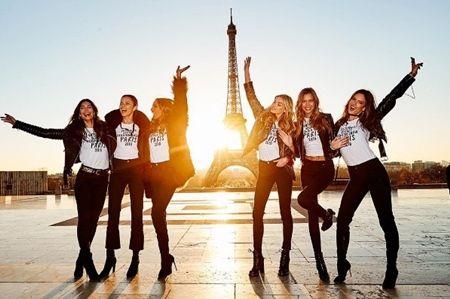 Victoria's Secret Angel ヴィクトリアズ・シークレット エンジェル ファッションショー パリ エッフェル塔