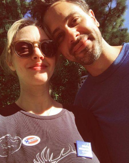 アマンダ・サイフリッド Amanda Seyfried アメリカ 大統領選挙 投票