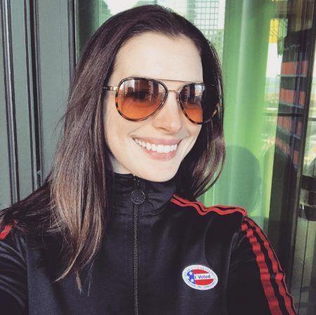 アン・ハサウェイ Anne Hathaway アメリカ 大統領選挙 投票