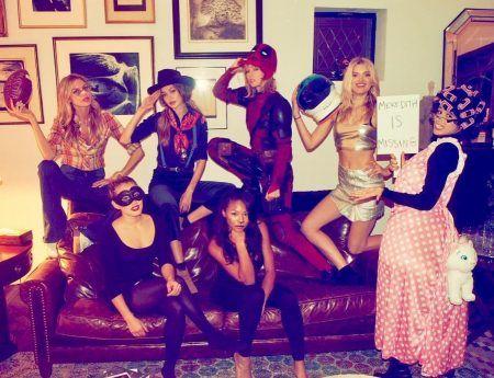テイラー・スウィフト Taylor Swift ハロウィン コスチューム デッドプール