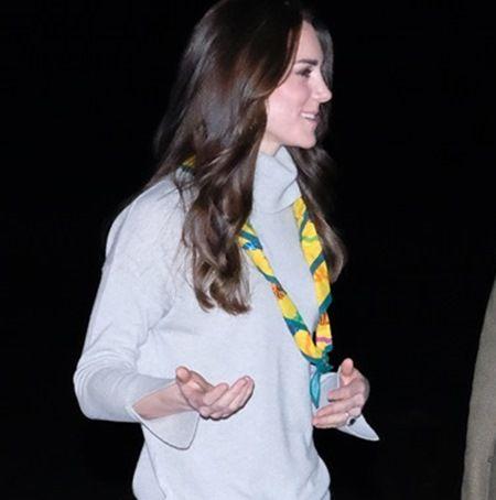 イギリス王室キャサリン妃 スカウト団体Cub Scoutと対面