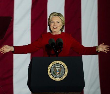 「ガラスの天井」を打ち破って「女性としてアメリカ初」を達成した女性10選 ヒラリー・クリントン Hillary Clinton