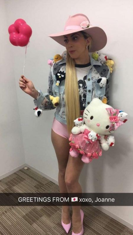 レディー・ガガ Lady Gaga 来日 テレビ出演 キティちゃん