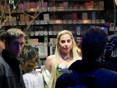 レディー・ガガ Lady Gaga 来日 六本木 ドン・キホーテ