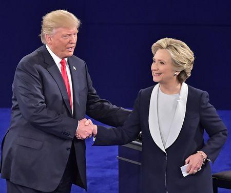 ヒラリー・クリントン ドナルド・トランプ Hillary Clinton Donald Trump 握手