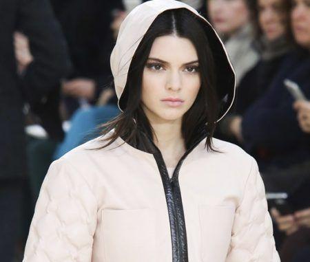 ケンダル・ジェナー Kendall Jenner インスタグラム アカウント 削除 閉鎖 シャネル パリ・ファッションウィーク