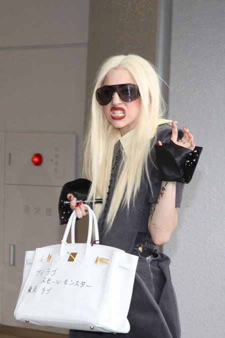 レディー・ガガ Lady Gaga 親日家エピソード&発言集 2011年 成田空港