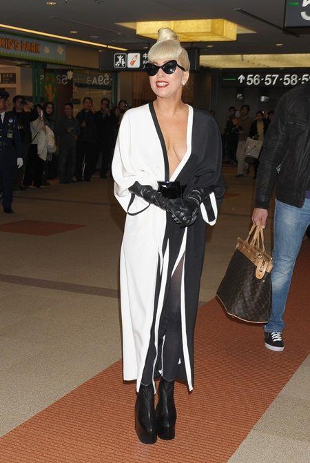 レディー・ガガ Lady Gaga 親日家エピソード&発言集 2011年 成田空港 帰国