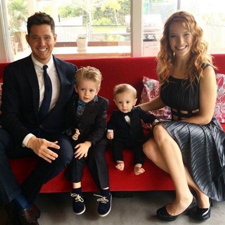 マイケル・ブーブレ Michael Buble 息子 がん診断を告白 家族写真 Michael Buble