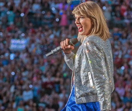 テイラー・スウィフト Taylor Swift 最も稼いだ30歳未満セレブ2016 収入