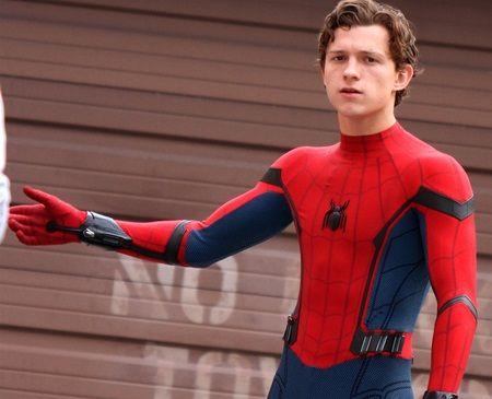 トム・ホランド スパイダーマン Tom Holland Spiderman homecoming