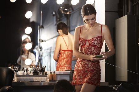 ケンダル・ジェナー Kendall Jenner  撮影 ランジェリーブランド La Perla ラペルラ 撮影の裏側 人気モデル