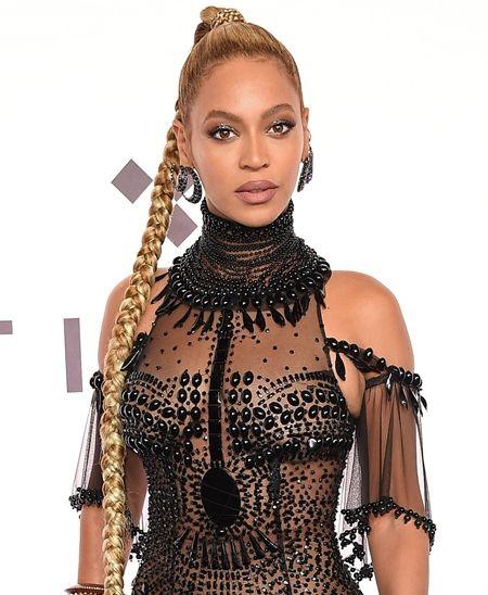 ビヨンセ Beyonce クリスマスグッズ グッズ 公式サイト オフィシャルサイト 発売 レモネード Tシャツ クリスマスバージョン ラッピングペーパー