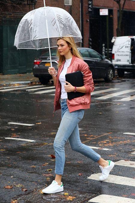 カーリー・クロス  Karlie Kloss  アディダス Adidas スタンスミス StanSmith スニーカー 人気 白 靴 ブーム 合わせやすい