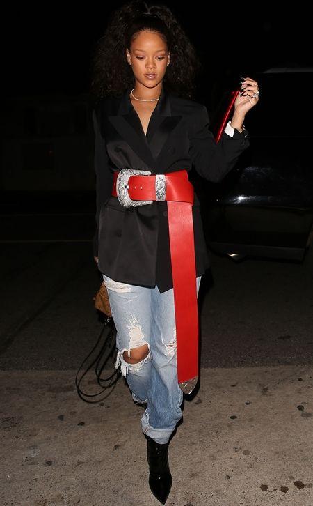 リアーナ Rihanna  極太ベルト でかすぎるベルト 新トレンド ファッション トレンドセッター ファッショニスタ LA 友達とディナー