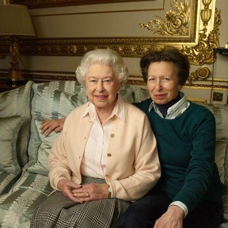エリザベス女王  Queen Elizabeth イギリス 2016年 総まとめ 総集編 1年振り返り アン王女 娘 66歳 誕生日 お祝い 8月 乗馬 ロンジン・レディース・アワード受賞 国際オリンピック委員会 8月
